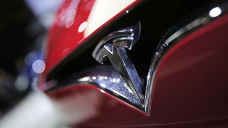 Tesla, Model 3'ün premium özelliklerini yayınladı