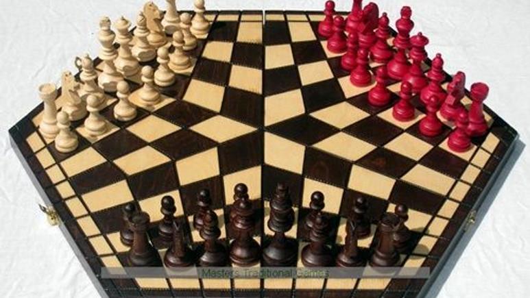 3 kişilik satranç!