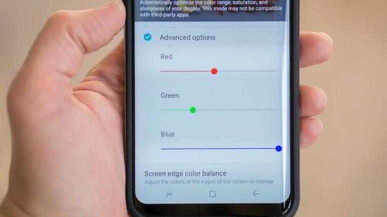 Galaxy S8'in kırmızı ekran sorunu nasıl düzeltilir? (Rehber)