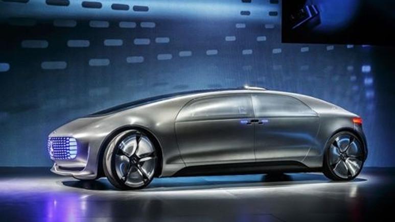 Mercedes 2022'ye kadar tüm otomobillerini elektrikliye çevirecek!
