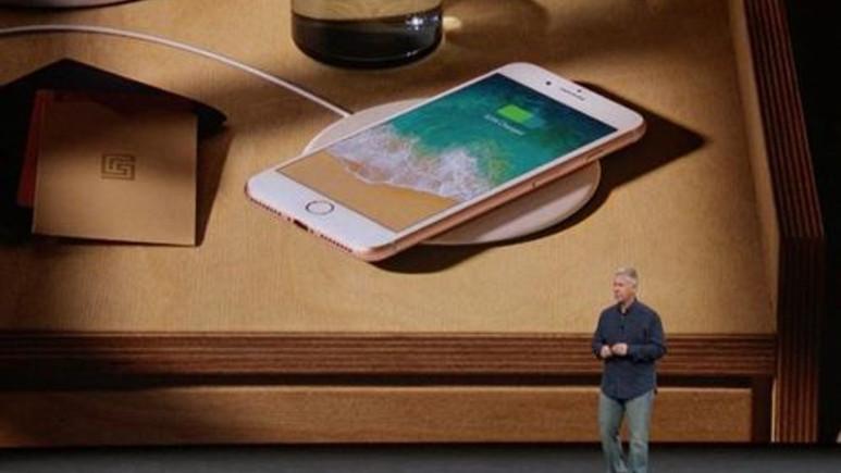 iPhone 8 ve iPhone 8 Plus özelliklerini gösteren reklam filmi!