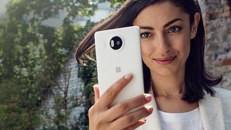 İptal edilen Lumia 960'ın resimleri sızdırıldı