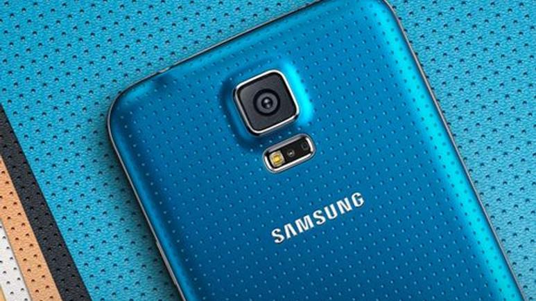 Galaxy S5 hamile kadını fena yaktı