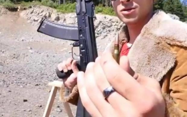 AK-74 mermisini kaç iPhone durdurabilir? - Page 2