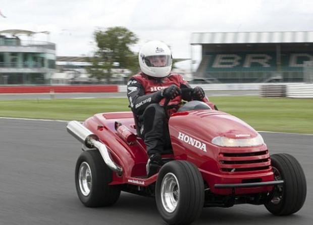 Honda çim biçme makinası, 0/100 km'ye 4 saniyede çıkıyor! - Page 11