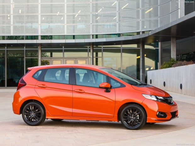 Honda Fit 2018 - Page 2