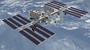 Uzay kapsülündeki delik bantla tamir edildi