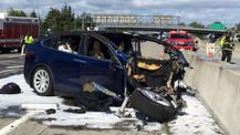 Otopilot modunda Tesla yine kaza yaptı