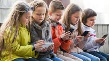 Çocuğunuzun ilk akıllı telefonu: Uygun yaş, telefon türü, ebeveyn denetimi