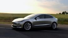Tesla Model 3 tanıtıldı! İşte fiyatı ve özellikleri