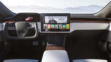 Tesla Model S oyun canavarına dönüştü! Elon Musk PS5'e rakip olacak!
