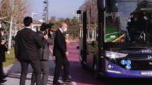 Cumhurbaşkanı yerli sürücüsüz otobüsü test etti!