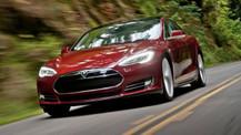 Tesla Otomatik Pilot özelliğini bir adım öteye taşıyor!