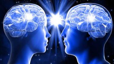 Sağ yumruk öğrenmeyi sol yumruk hafızayı kontrol edebiliyor!