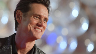 Jim Carrey, Facebook'a savaş açtı!
