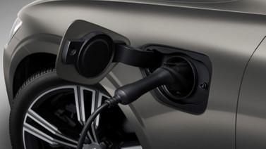 Volvo'nun yeni modeli V60 gün yüzüne çıktı