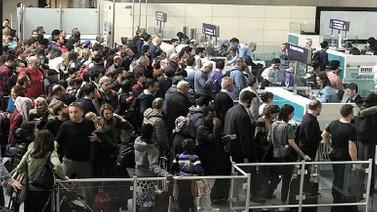Atatürk Havalimanı ve devlet kurumlarında kriz yaşandı