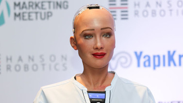 Robot Sophia 23 Nisan'ı kutladı