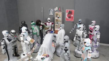 Robot Mini Ada'ya binlerce kişiden geçmiş olsun ziyareti!