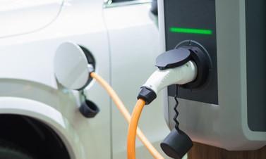 İlk elektrikli yerli otomobil görücüye çıktı!