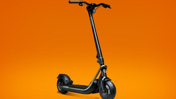 En yeni elektrikli scooter: Boosted Rev