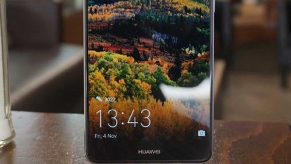 Dört kameralı Huawei Mate 10 Lite'a her açıdan bakın!