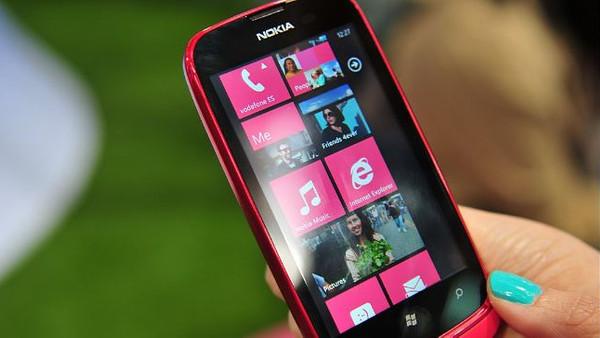 Nokia Lumia 610 yakında geliyor!