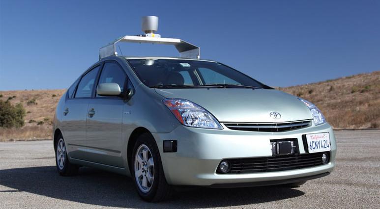 Toyota da sürücüsüz araç testlerini durdurdu