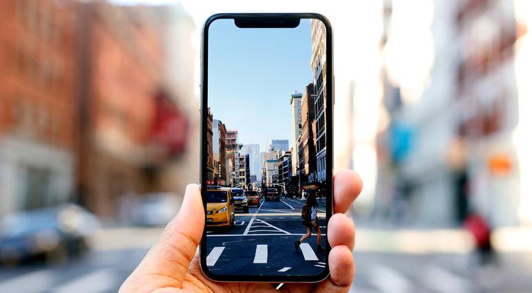 Üç kameralı iPhone bekleyenlere kötü haber!