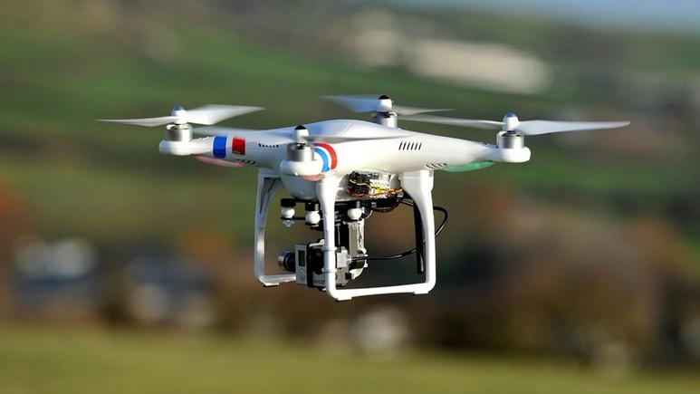 Türk öğrenciler atıklardan drone ürettiler!