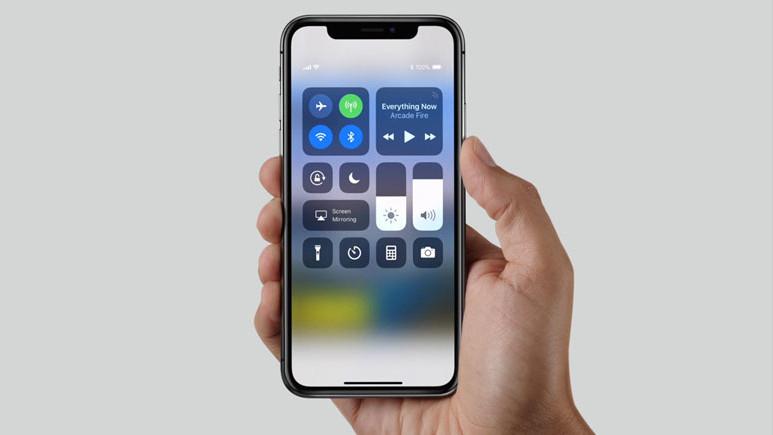 Samsung, iPhone X sayesinde köşeyi döndü!