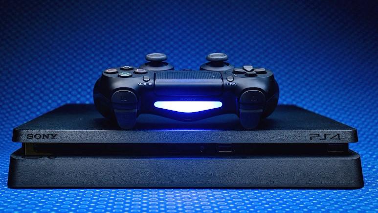 PlayStation 4 kırıldı!