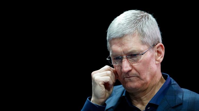 Apple'da yaprak dökümü başladı!