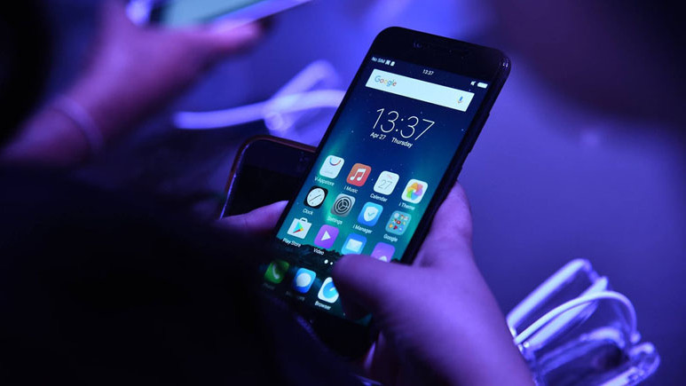 Samsung çok çalıştı ancak bu özellik ilk Çinli firmadan geliyor!