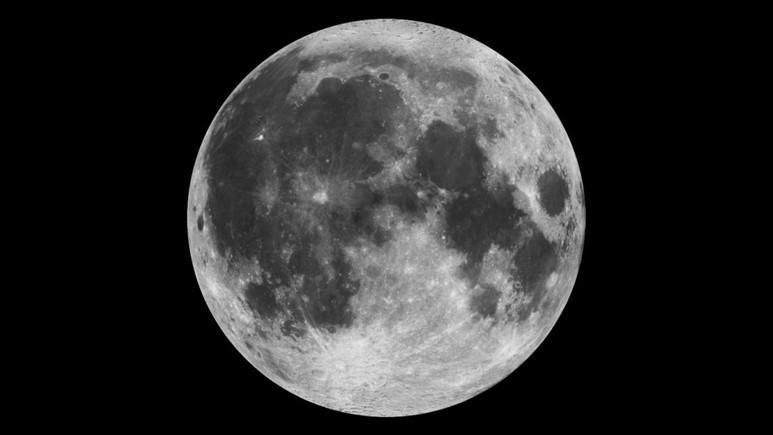 Ay'da yaygın olarak su bulunduğu iddia ediliyor!