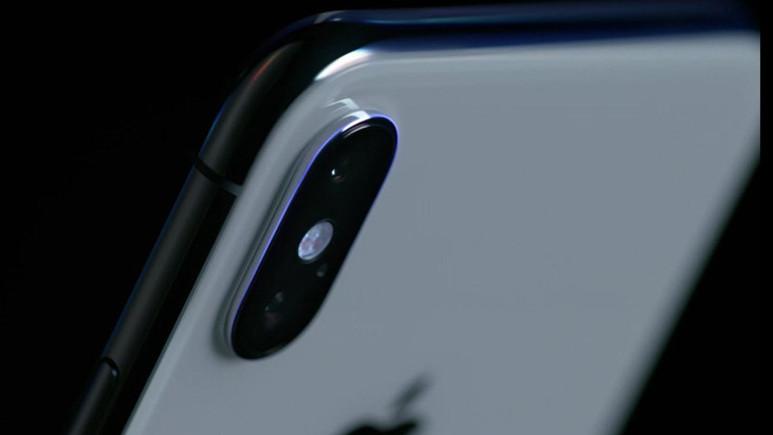 iPhone X ile yapılan ARKit tabanlı optik illüzyona göz atın!