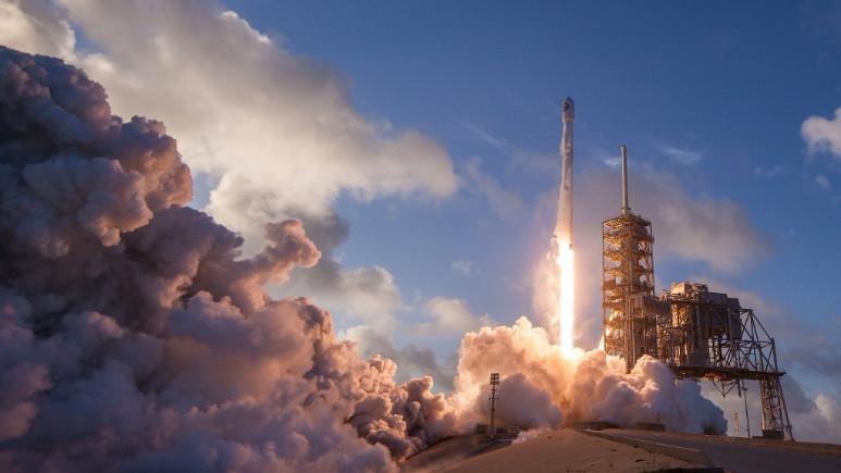SpaceX 50. Falcon 9 görevini başarıyla tamamladı