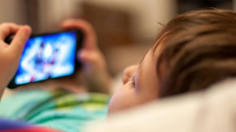 Teknolojik cihazlar çocuklar için zararlı!