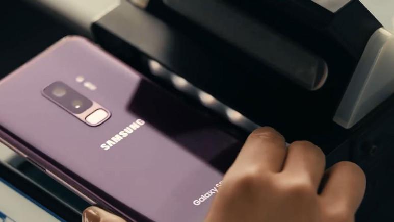 Samsung S9 için iPhone göndermeli yeni reklam