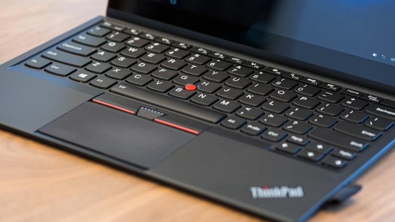 Lenovo ThinkPad 52 duyuruldu!