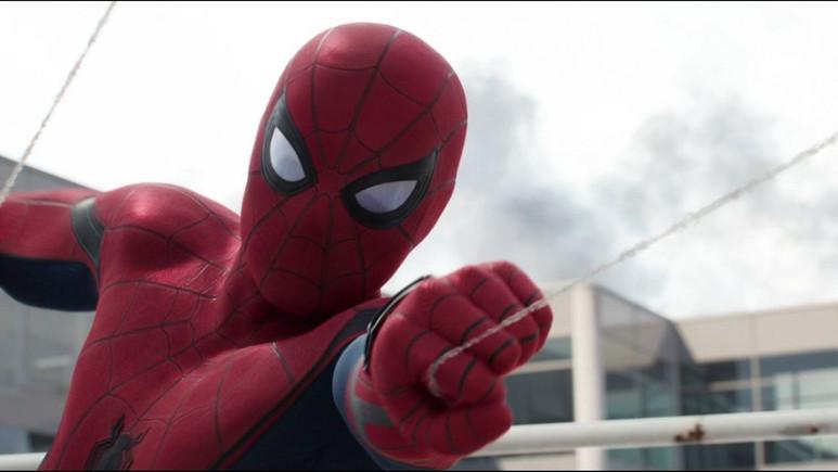Spider-Man filminden çıkartılan Batman göndermesi!