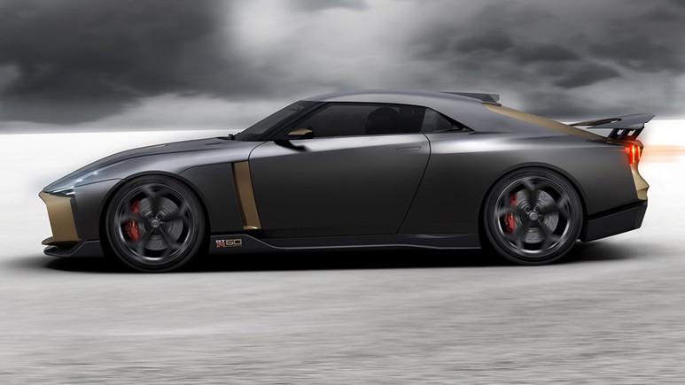 Nissan GT-R50 tasarımı ile dikkat çekiyor!