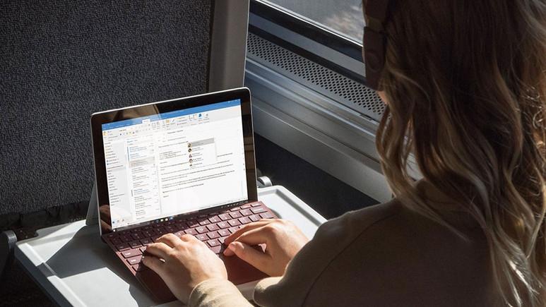 Microsoft'tan yeni taşınabilir bilgisayar: Surface Go