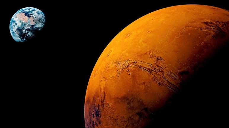 Mars bu gece dünyaya en yakın konumda olacak