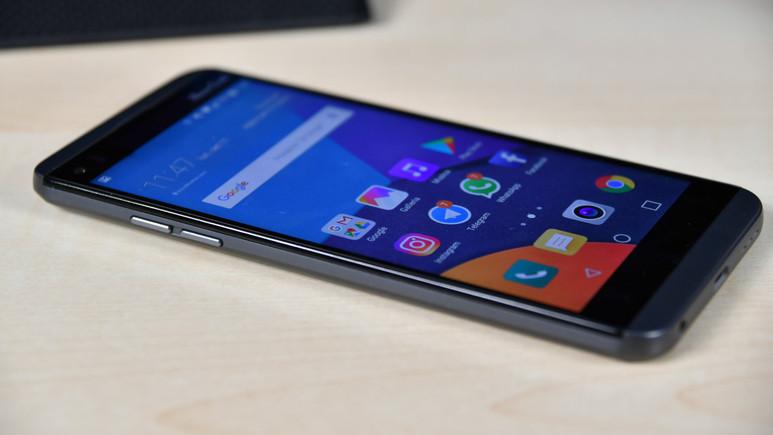 LG Q8 duyuruldu! İşte fiyatı ve özellikleri!