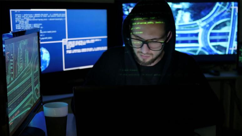 Hackerlar sahte banka sayfalarının ilanını Twitter'da yayınlandı!