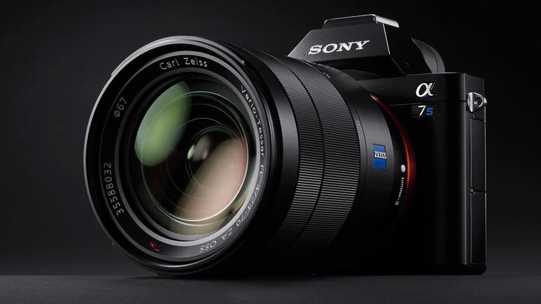 Canon ve Nikon Sony'yi yenebilecek mi?