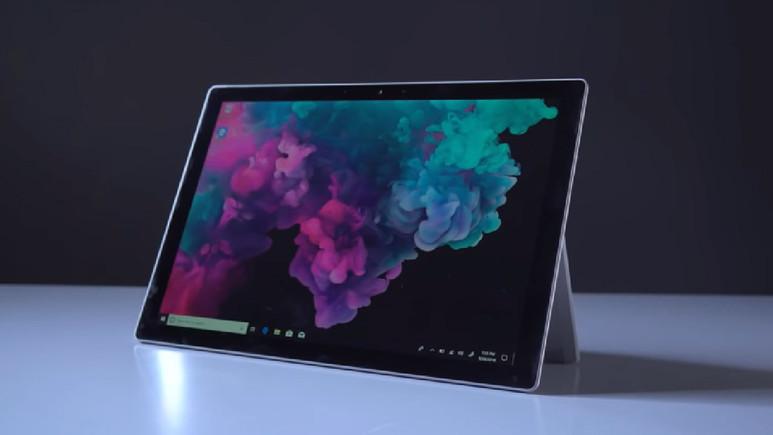 Microsoft Surface Pro 6 yüzünü gösterdi