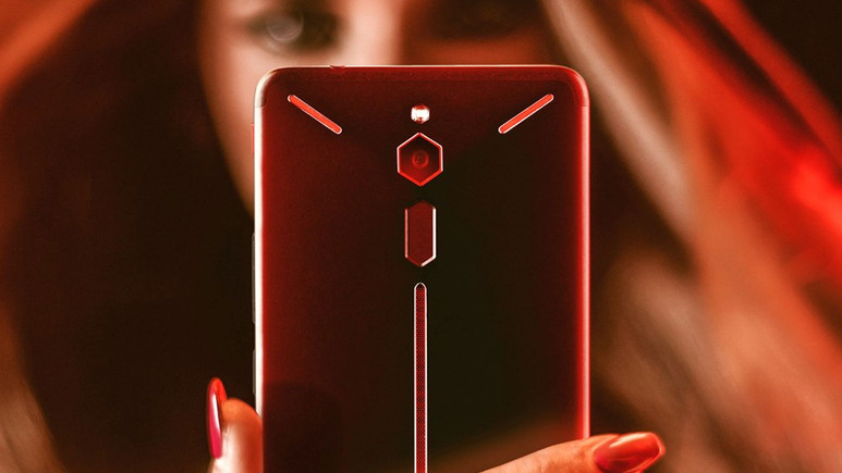 10 GB RAM'li Nubia Red Magic 2 geliyor