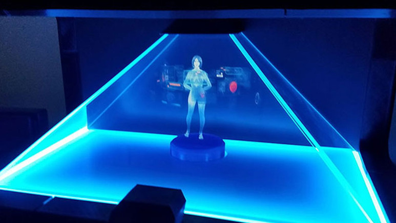 Hologram ile evlenen adam!